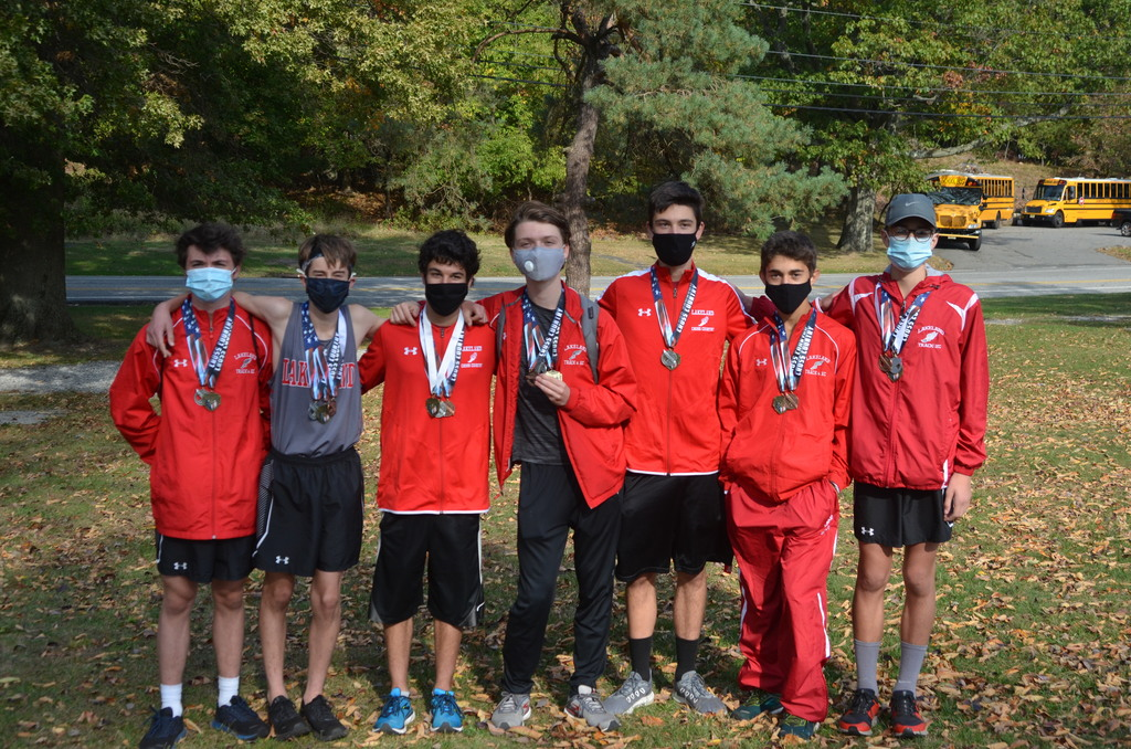 Lakeland Boys' Cross Country Team - Medaled at the Back to the Mountain Invitational