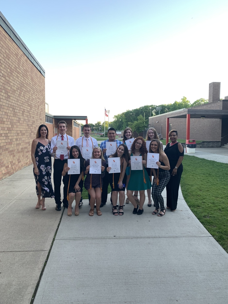 Spanish Honor Society 2019 inductees 🇪🇸