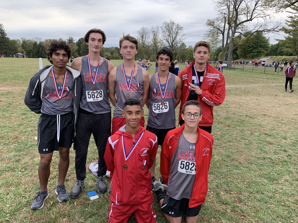 Congratulations to the Boys Cross Country Team for finishing second at the Greystone Invitational.