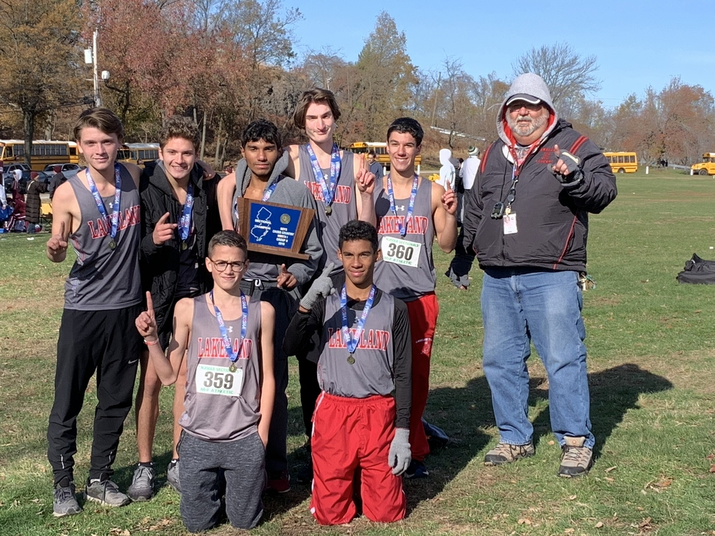 Congratulations to the Boys Cross Country Team for winning the North 1 Group 2 Sectional. The Lancers were led by a 4, 7, 8 finish by Campoverde, Murphy and Voll.
